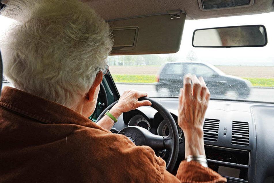 Die Dresdner Universität sucht ältere Fahrer und Fahrerinnen für ein Forschungsprojekt.
