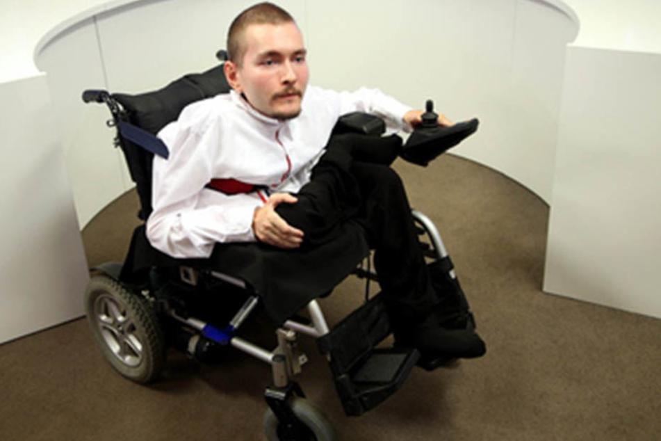"""Valery Spiridonov steht als """"Versuchskaninchen"""" für eine mögliche Kopftransplantation bereit."""