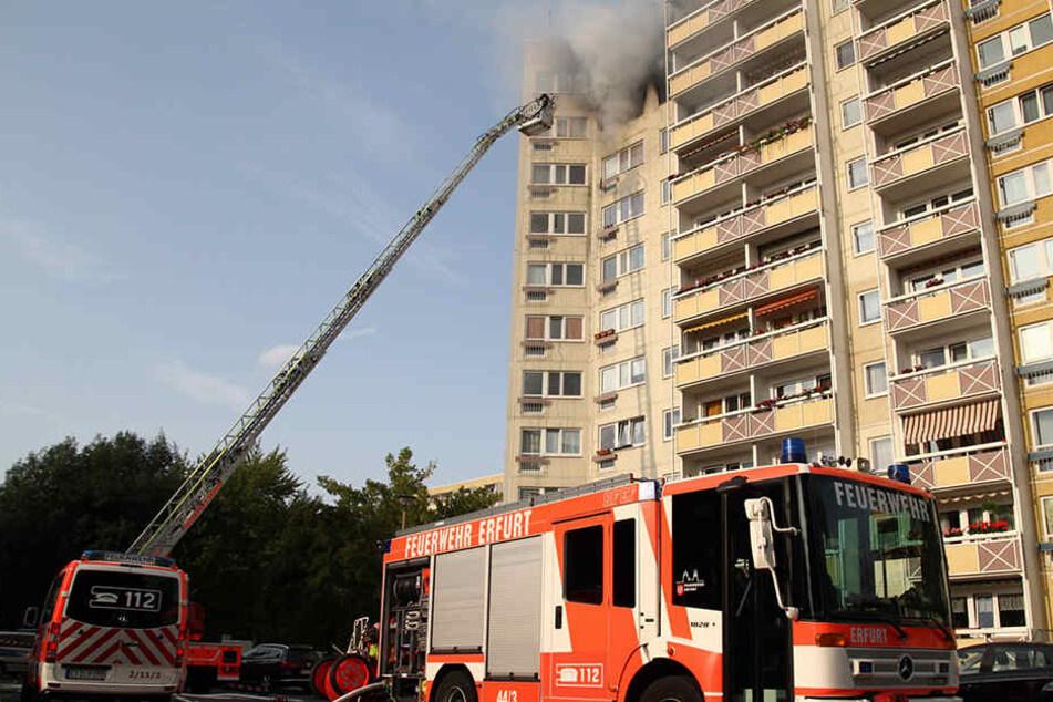 Es brannte in der neunten Etage eines Hochhauses.