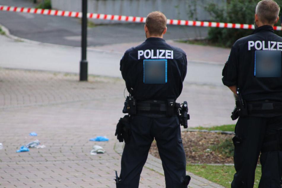 Vor einem Weißenfelser Wohnhaus schoss ein Beamter auf einen 30-Jährigen. (Symbolbild)