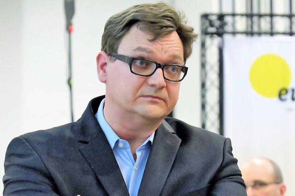 Thomas Uhlig war einen Tag nach dem Nazi-Skandal zurückgetreten, ist aber formell noch CFC-Vorstand.