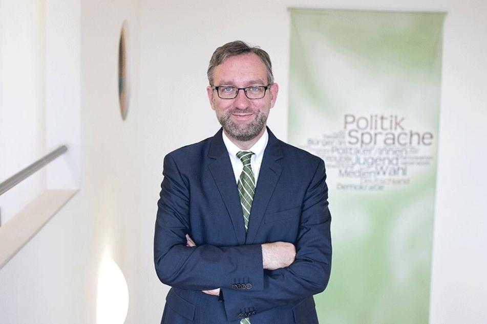 """Dr. Roland Löffler:   """"Politische Kultur darf nicht    den Bach runtergehen""""."""