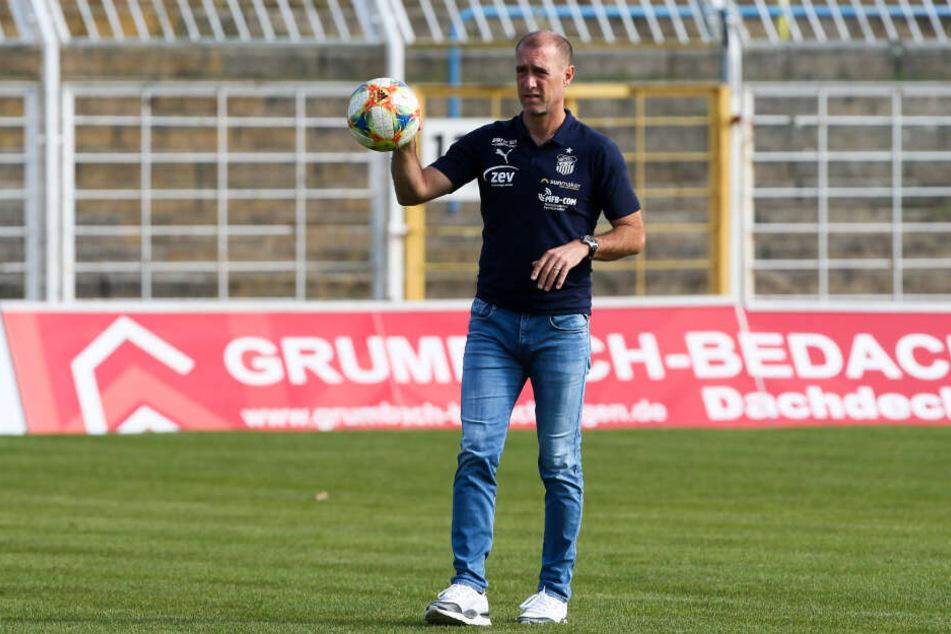 FSV-Coach Joe Enochs weiß, welch starker Gegner am Sonnabend mit der SpVgg Unterhaching auf sein Team wartet.