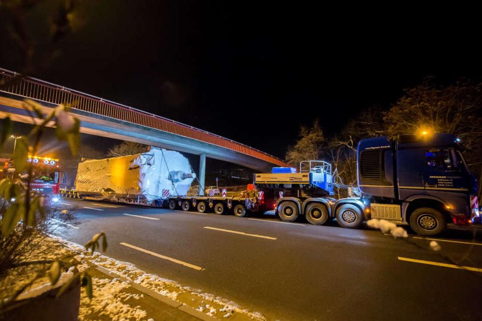 Der Transporter ist 43 Meter lang.