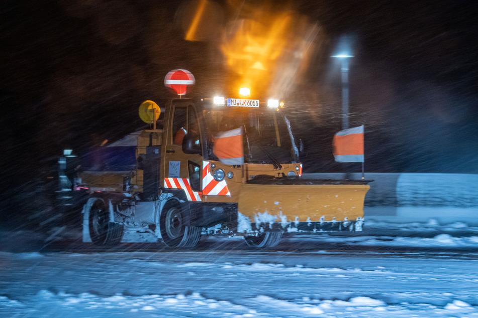Viel Schnee und Eisregen: Wintereinbruch trifft NRW heftig!