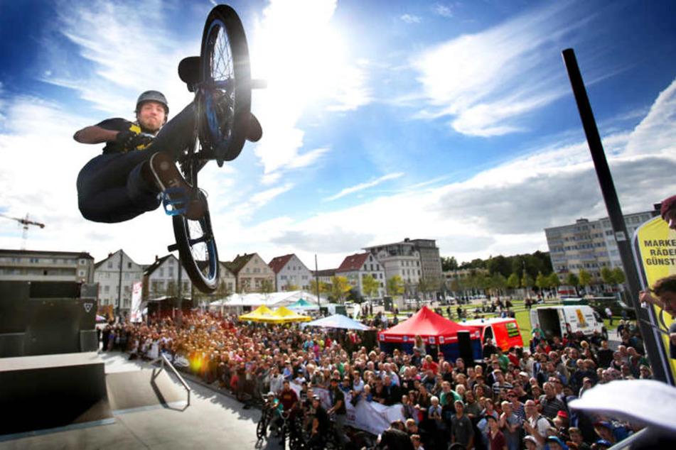 Der Kesselbrink ist bei BMX-Fahrern und Skatern beliebt. Sie liefern sich regelmäßig Battle um den besten Stunt.