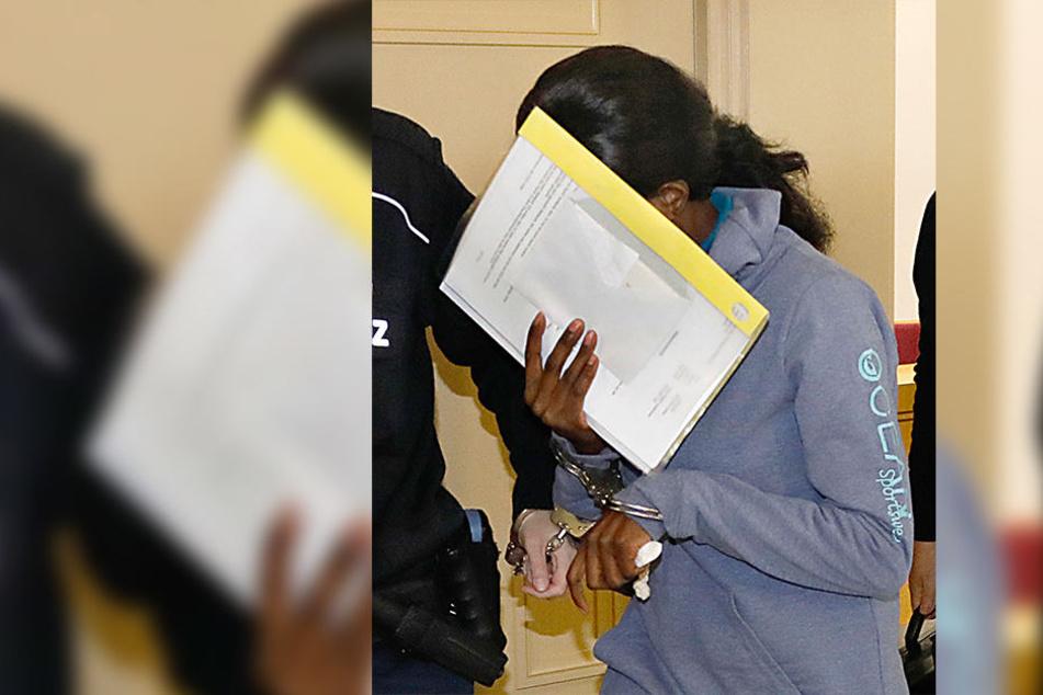 Armina A. (32) wird vorgeworfen am Mord an ihrem Mann beteiligt gewesen zu sein.
