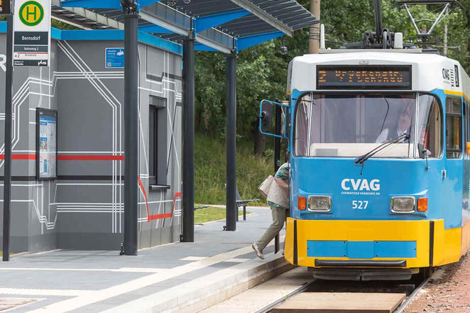 Statt der Straßenbahn Linie 2 fährt eine Woche lang ein Bus auf der Strecke.
