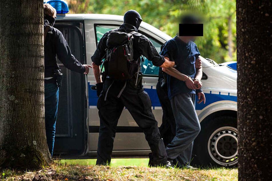 """Die Tatverdächtigen sollen die Terrorzelle """"Revolution Chemnitz"""" gegründet haben."""