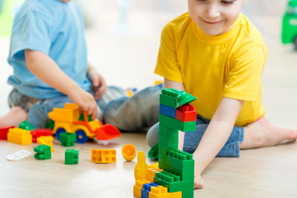 Schon im Kindergarten baute Jan (Name geändert) am liebsten für sich und baute Türme. (Symbolbild)