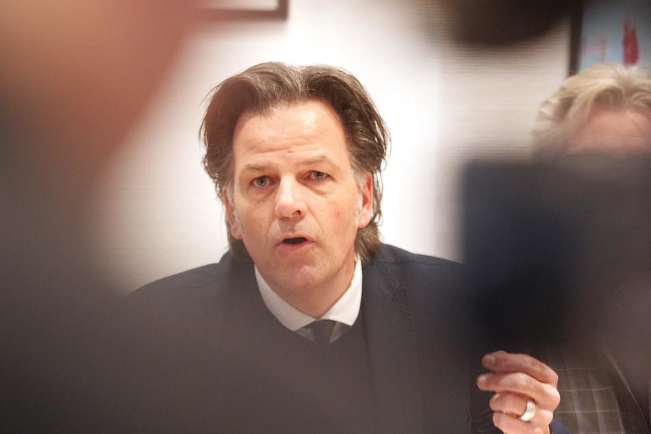 Der Chef der NRW-Arbeitsagentur, Torsten Withake, hat die Arbeitslosen-Zahlen im Frühjahr vorgestellt.
