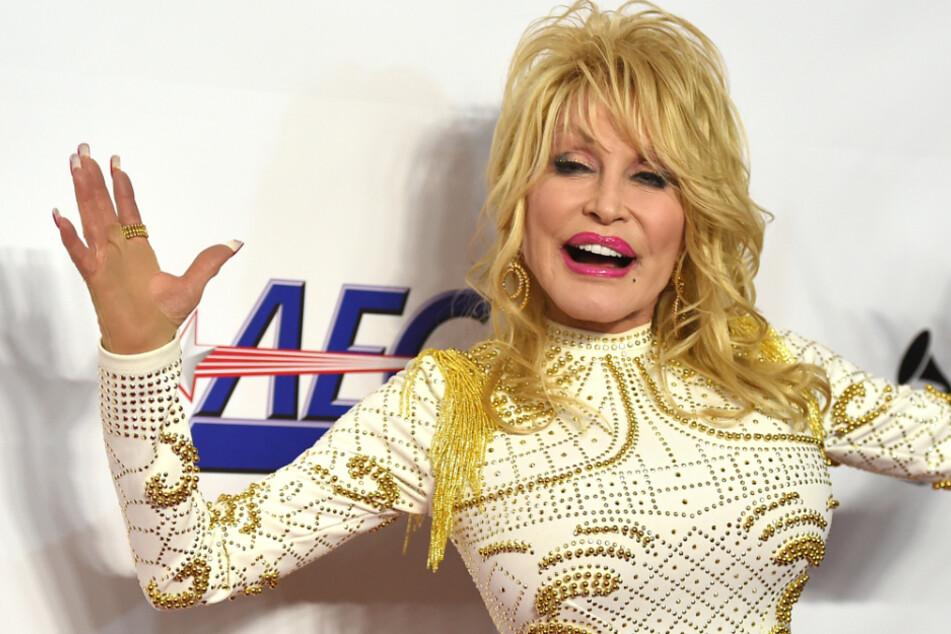 Überraschung! Dolly Parton (74) will zum Geburtstag wieder in den Playboy