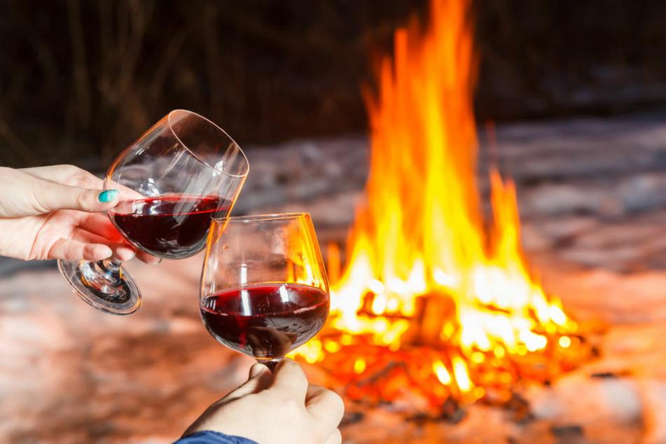 Jugendliche pfeifen bei Grill und Lagerfeuer auf Corona-Regeln und zeigen keine Einsicht