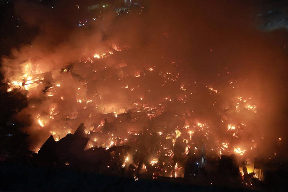 In Quezon City auf den Philippinen kam es am Mittwoch zu einem heftigen Brand.