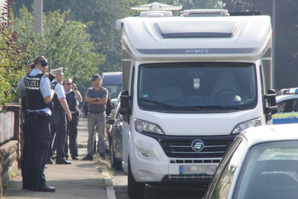 Polizisten hatten die Herrenberger Straße abgesperrt.