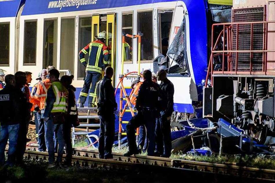 Zwei Menschen starben bei dem Unfall.