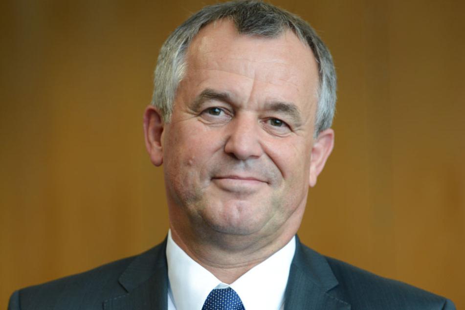 Frankfurts Polizeipräsident Gerhard Bereswill zeigte sich erleichtert über die rückgängige Verbrechensrate in seiner Stadt.