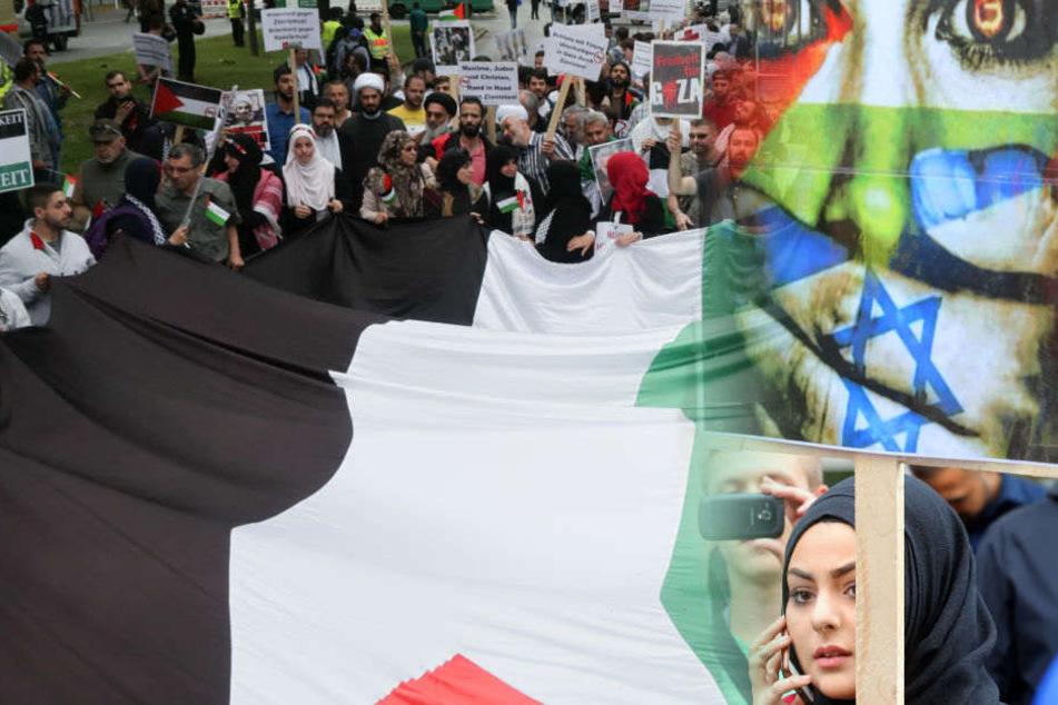 Brennen erneut die Fahnen? Anti-Israel-Demo zieht wieder durch Berlin