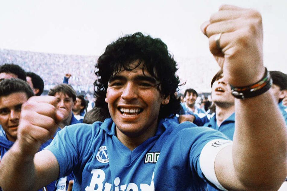 Diego Armando Maradona kämpfte sich von ganz unten an die Spitze des Weltfußballs. Umso tiefer war sein Fall.