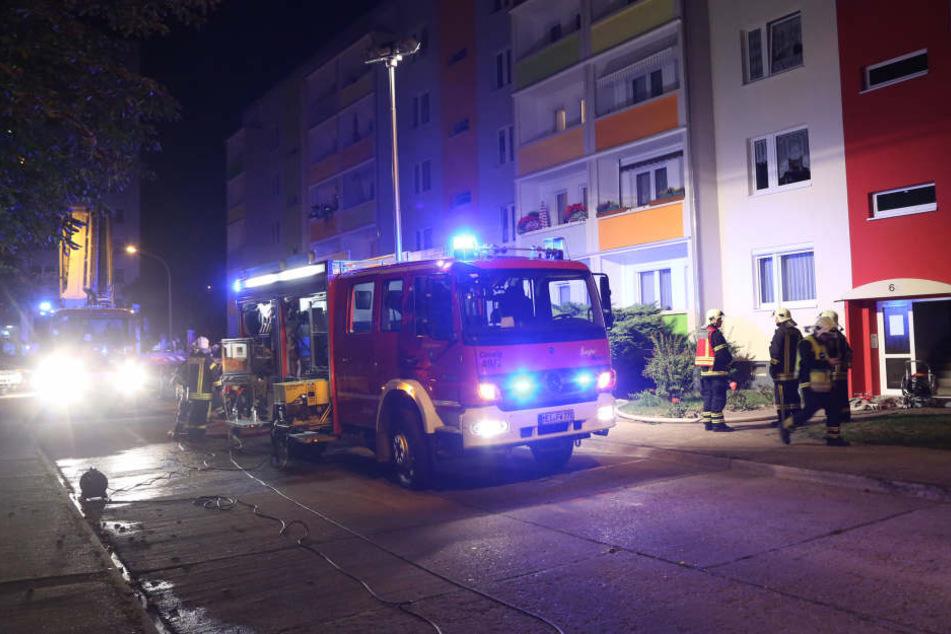 In einem Wohnhaus in Coswig ist am Montagabend ein Feuer ausgebrochen.