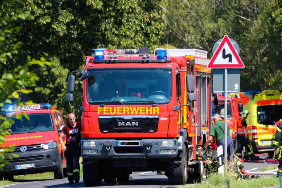 Bei über 33° arbeiten die Einsatzkräfte der Feuerwehr an ihrer Belastungsgrenze.