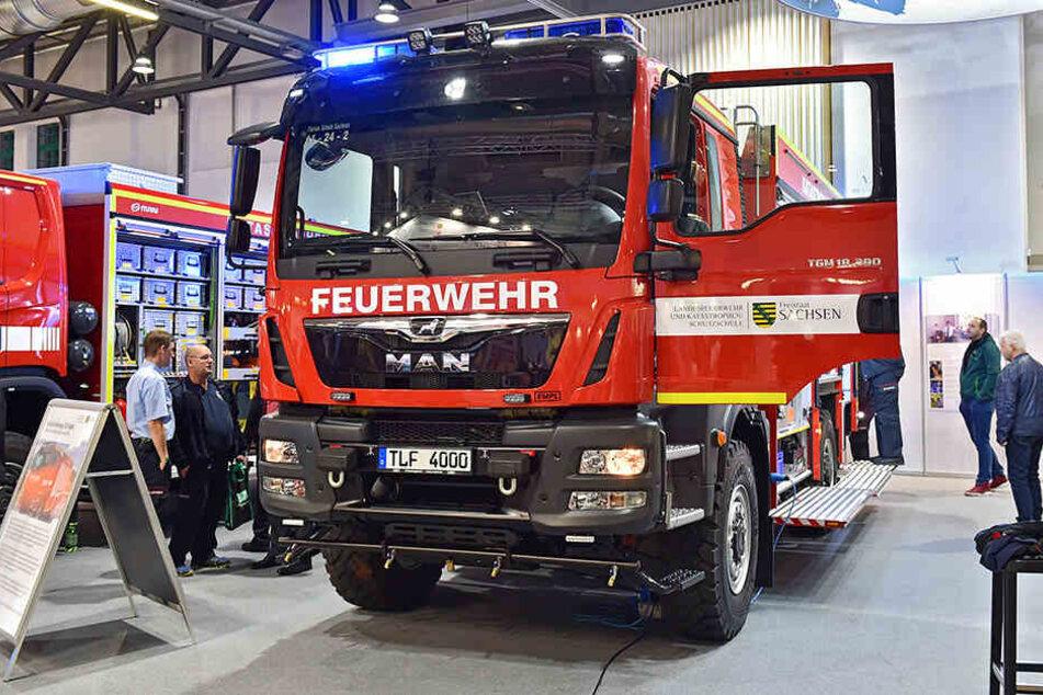 """Zehn dieser neuen Tanklöschfahrzeuge (""""TLF 4000"""") werden in Ostsachsen im kommenden Jahr Waldbrände löschen."""