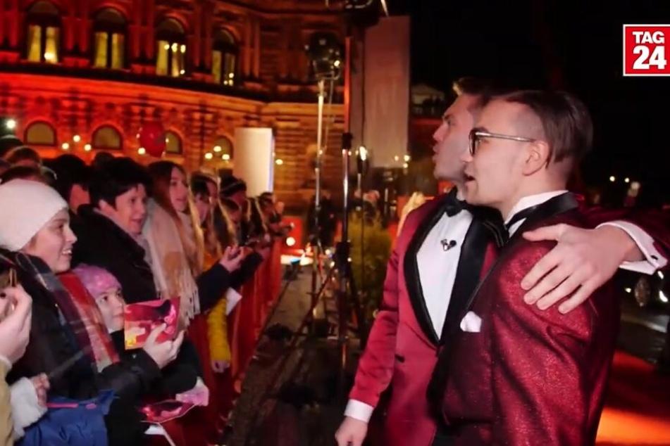 Experiment beim Opernball: So kommt man als Normalo auf den Roten Teppich!