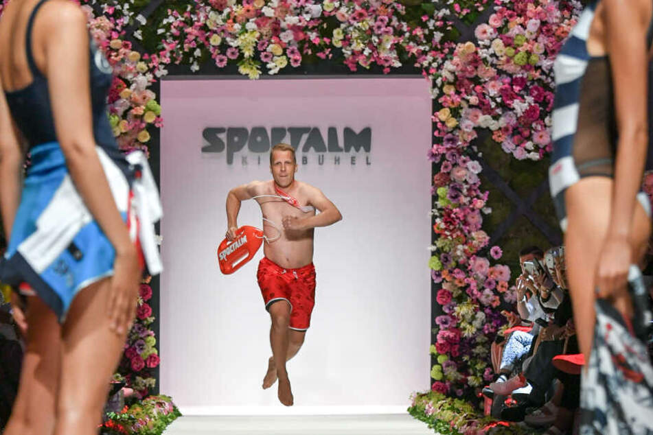 Oliver Pocher als Laufsteg-Läufer bei der Fashion Week in Berlin.