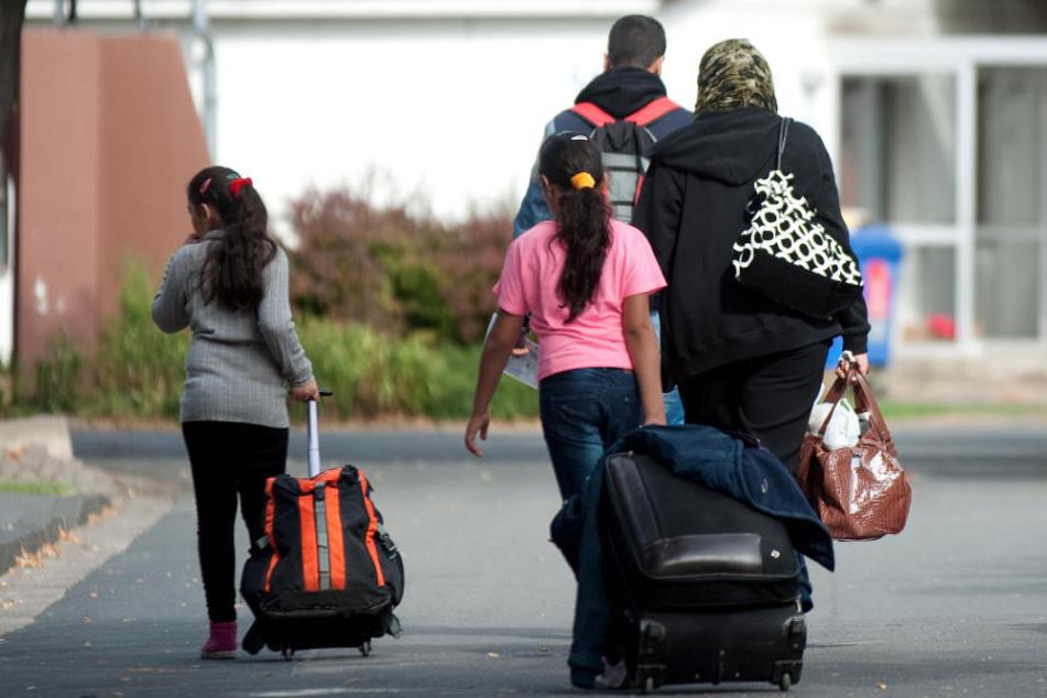 Wenn Geschwister und Kinder nicht nachziehen dürfen, entscheiden sich viele Flüchtlinge dazu, in ihre Heimat zurückzukehren. (Symbolbild)