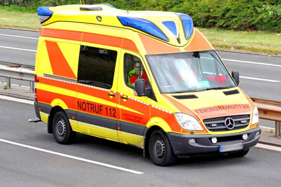 Der verunglückte Kajakfahrer kam schwer verletzt ins Krankenhaus. (Symbolbild)