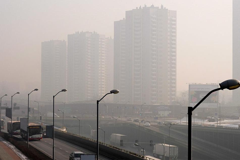 Februar 2017: Ein schwerer Smog-Schleier umgibt die Innenstadt von Katowice.