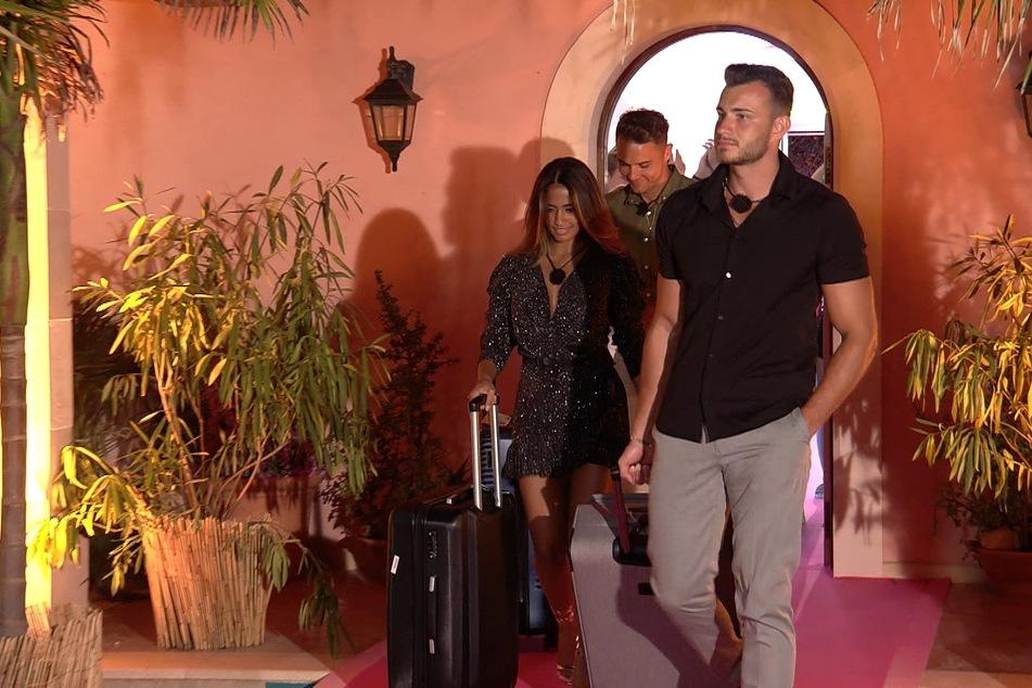 Mussten auf Love Island ablegen: Nathalia, Tobi (hinten) und Luca (r.).