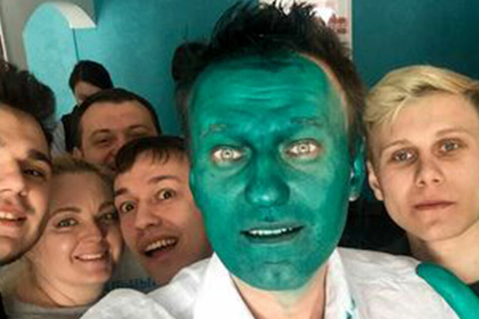 Der russische Oppositionspolitiker Alexej Nawalny (40) geht gelassen mit einem Farbanschlag um.