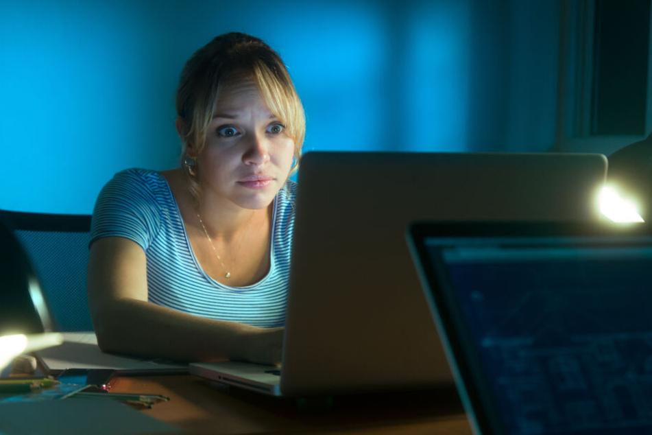 Die Frau machte eine Horror-Entdeckung auf dem Laptop ihres Mannes.(Symbolbild)