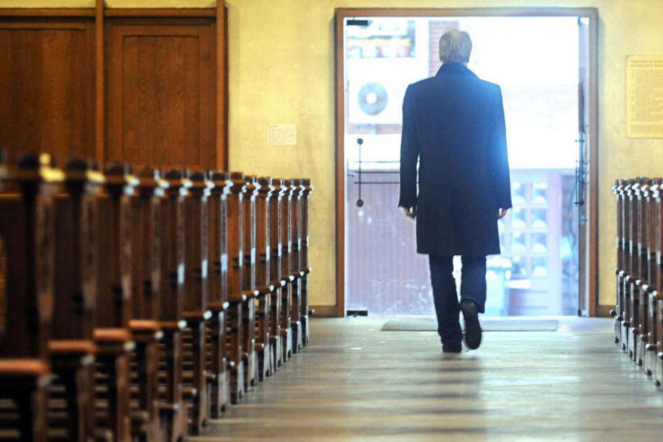 2018 erklärten in NRW insgesamt 88.510 Menschen vor den Amtsgerichten ihren Austritt aus der Kirche.