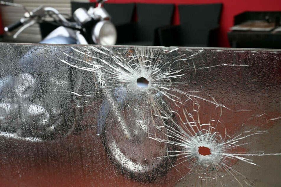 Unbekannte hatten am 4. Januar mehr als ein Dutzend Schüsse auf eine Spielhalle im Kölner Stadtteil Buchheim abgegeben.