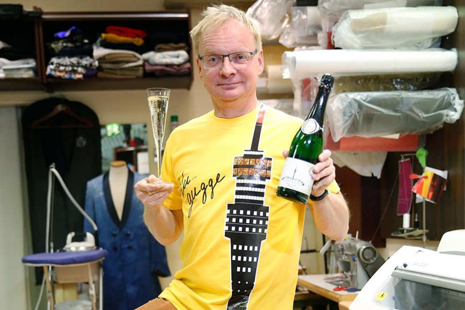 Kabarettist Uwe Steimle (53) ist ein großer Fan des Dresdner Fernsehturms.