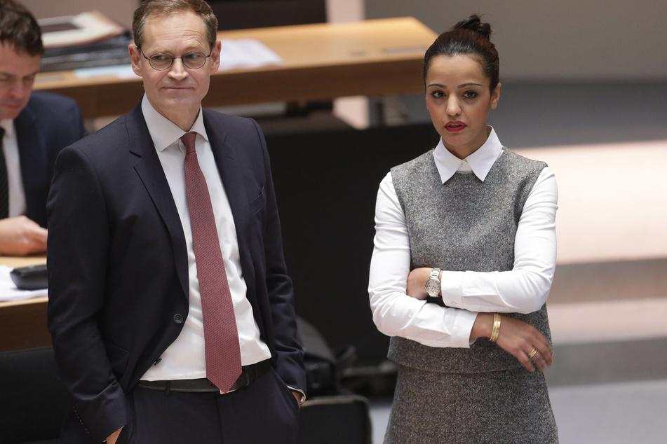 Michael Müller (55) hat sich in der SPD-Befragung für die Bundestagskandidatur gegen Sawsan Chebli (42) durchgesetzt.