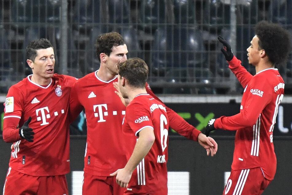 Robert Lewandowski (l.) und Leon Goretzka (2.v.l.) trafen für den FC Bayern München gegen Borussia Mönchengladbach.