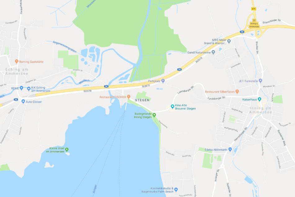Die Biker-Gruppe war auf der Staatsstraße 2070 unterwegs. Der Mercedes-Fahrer fuhr bei Stegen von der Landsbergerstraße auf die Staatsstraße auf.