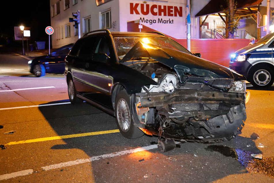 In Chemnitz ist ein Opel mit einem VW kollidiert. Zwei Personen wurden verletzt.