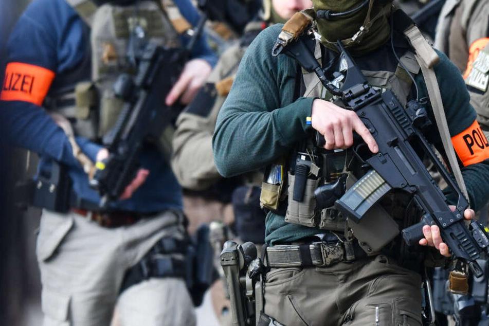 Antisemitismus? Verdacht schockt Polizei, Mitglieder von Spezialeinheit suspendiert