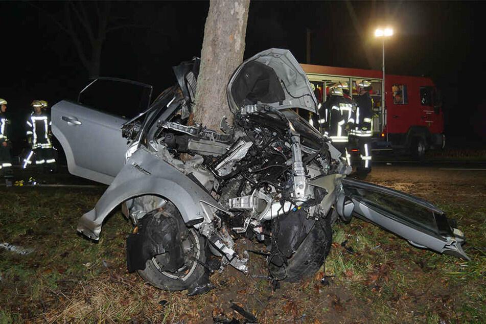 Der 28-jährige Lippstädter war alleine in seinem Ford Mondeo unterwegs.