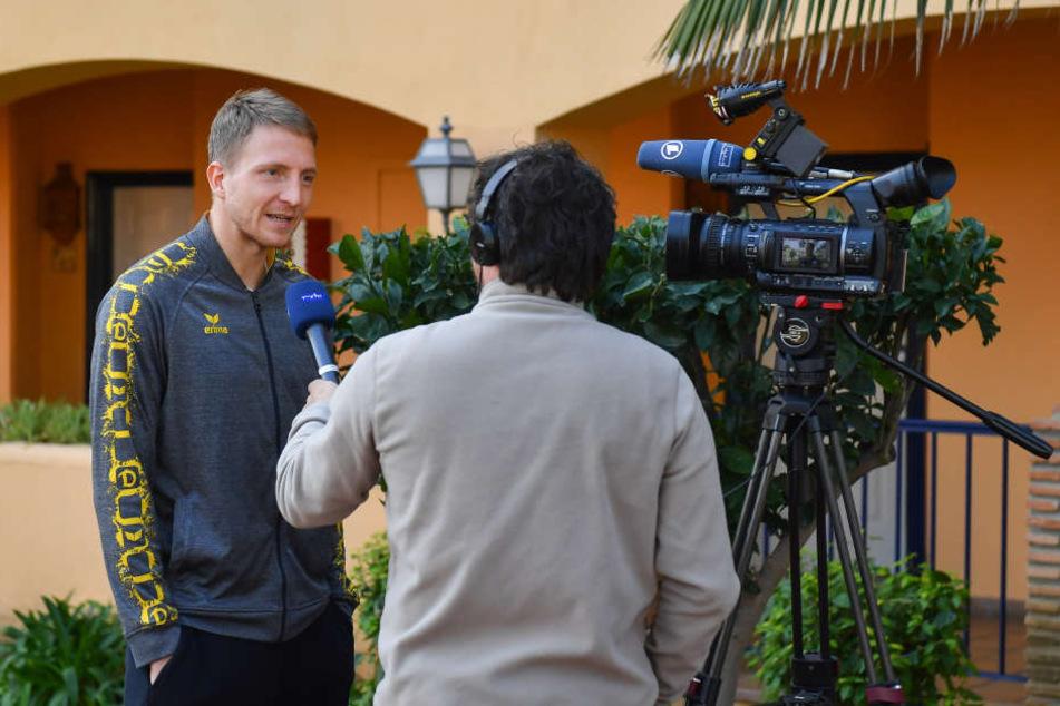 Marco Hartmann ist als Kapitän der Dynamos immer ein gefragter Gesprächspartner.