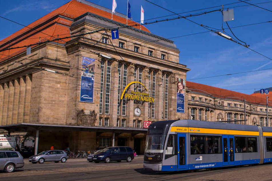 Schluss mit Gammeln! Am Leipziger Hauptbahnhof läuft klassische Musik aus eigens an der Fassade angebrachten Boxen. (Symbolbild)
