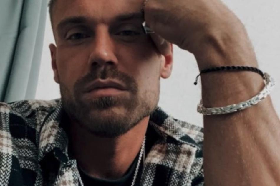 Chris Broy (31) äußerte sich bisher nur mit einem kleinen Foto, das auch Eva zur Geburt postete, bei Instagram.