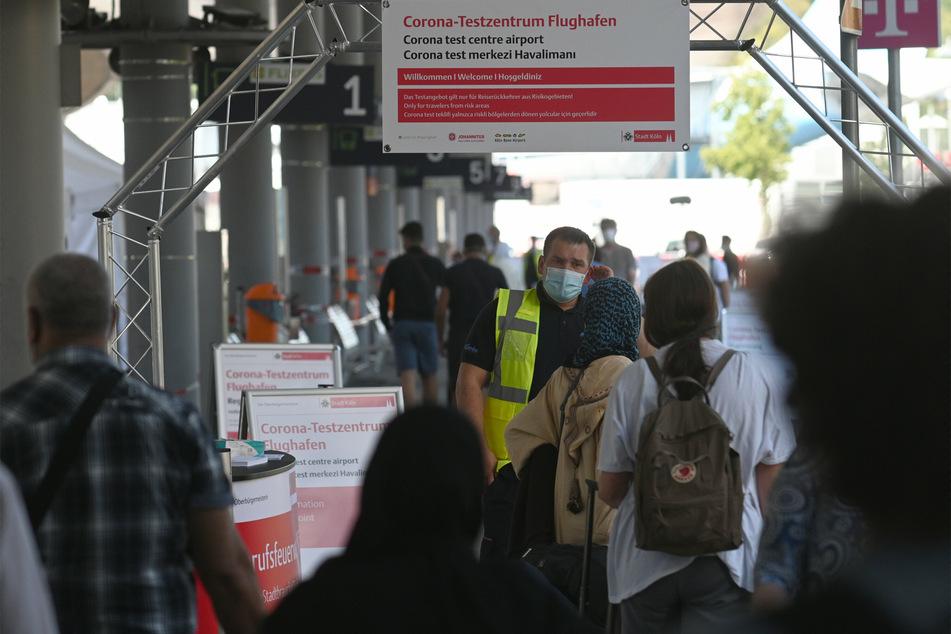 Corona-Testpflicht für Rückkehrer aus Risikogebieten in NRW startet