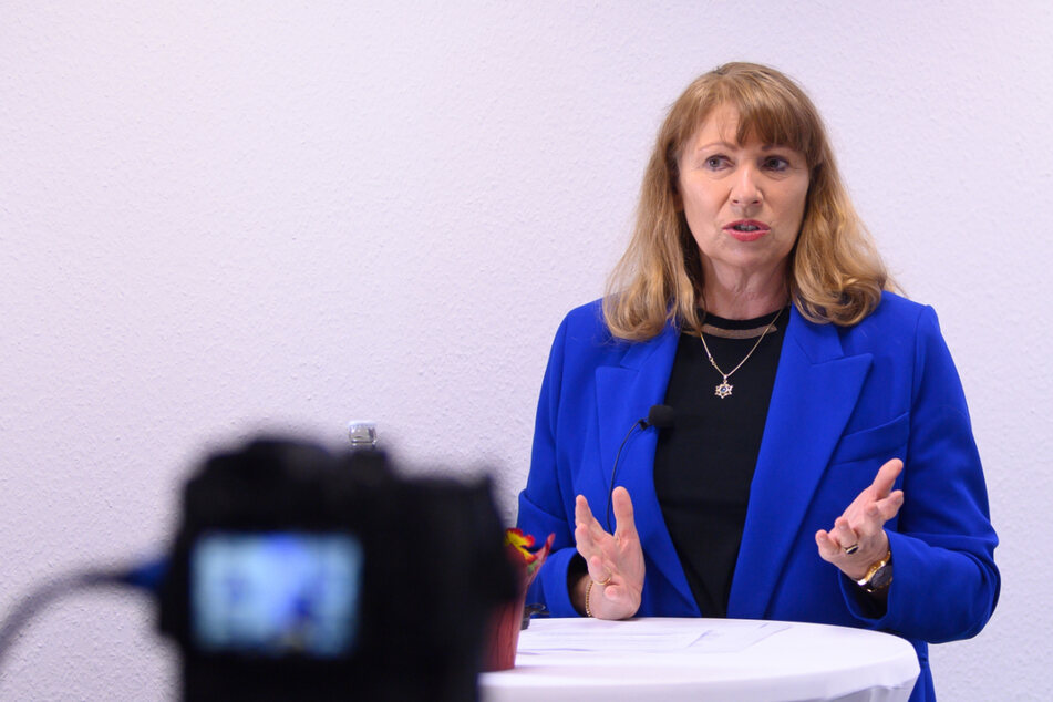 Sachsens Gesundheitsministerin Petra Köpping (62, SPD) bei einer Onlineschalte Anfang März.
