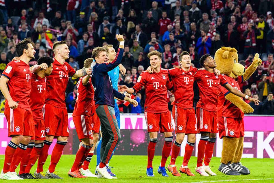 Großer Jubel beim FC Bayern München: Im Top-Spiel führte der Deutsche Rekordmeister Borussia Dortmund nach allen Regeln der Kunst vor.