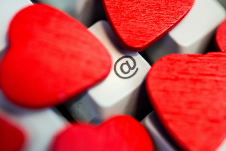 Die Sicherheit kommt beim Online-Dating durch die Glücksgefühle zu kurz. (Symbolbild)